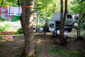 Camping in der Parkanlage mit Wohnkabine