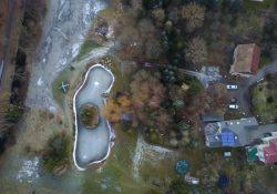 Die Parkanlage der Ferienwohnungen aus der Luft